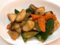 お弁当171127-小黃瓜炒杏鮑菇