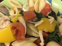 番茄海鮮牛肉貝殼麵