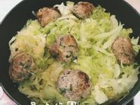 營養丸子高麗菜炊飯