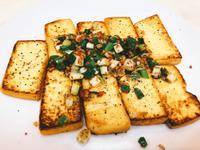 嫩煎黑胡椒豆腐
