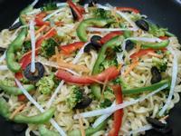 辛拉麵彩色蔬菜溫沙拉   速食麵快速料理