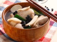 杏鮑菇黑豆煲雞湯《營養師的日日好湯》