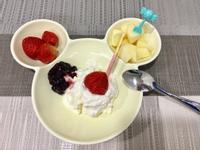 希臘式水切優格草莓水果盤