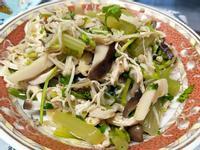 涼拌芹菜雞肉菇菇