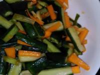 韓式辣醬醃小黃瓜
