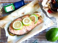 檸檬香料烤鮭魚