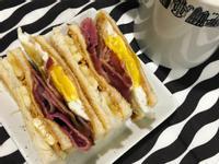 貓王三明治🥪早午餐來啦!