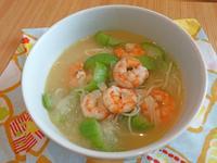 絲瓜蝦仁麵。夏季簡易好料理