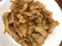 洋蔥炒松阪豬肉