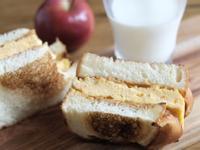 花生醬厚蛋三明治