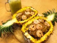 清冰箱創意料理「鳳梨盅炒飯佐咖哩起司醬」