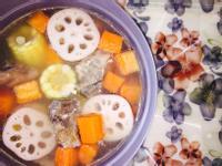 排骨蓮藕玉米蘿蔔燉湯