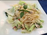 蛤蜊炒時蔬義大利麵