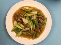 西洋芹菜炒雞肉