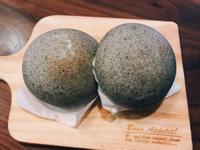 超軟芝麻紅豆軟歐麵包