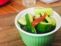 偷吃步涼拌小黃瓜
