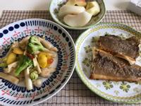 低醣料理桌//香煎鰈魚排及清炒綜合蔬菜