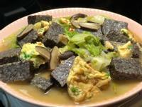 蛋香白菜燴米血