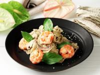 蝦仁蘑菇白醬羅勒風味麵