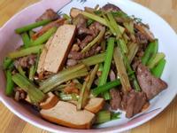 芹菜豆干肉絲