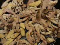 微波爐版玉米筍炒豬柳