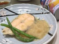 蘿蔔泥煮鮭魚[牛頭牌原味高湯]