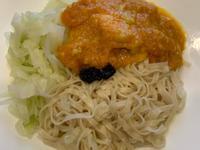 南瓜雞胸肉意麵,約500卡,蛋白質37克