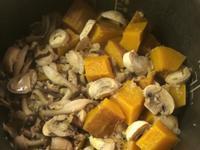 南瓜什穀佐箘菇炊飯