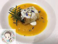 脆麵裹鮭魚佐南瓜濃湯