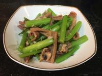 芹菜炒魷魚