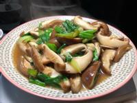 蒜苗炒香菇