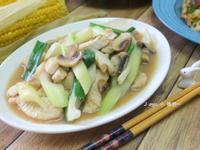 蘑菇芹菜炒旗魚