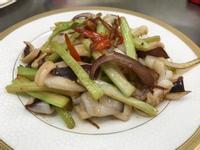 澎湖野生軟絲三吃(1.西芹炒軟絲)