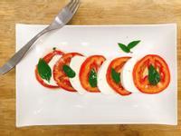 [低卡]2個步驟超簡單-義式番茄乳酪沙拉