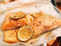 紙包檸檬奶油鮭魚