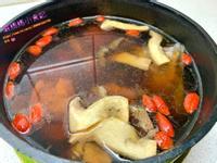 黑蒜頭雞湯