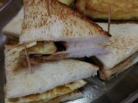 這是老公第一次做的三明治