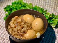 又一波香共共《滷蛋五花魯肉飯》