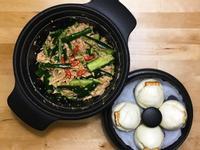 黃瓜雞絲涼拌菜+饅頭夾辣豆腐乳