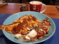 【早午餐】法式吐司佐德腸舞菇蛋