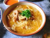 香菇赤肉羹(台灣小吃)