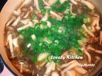 鹽海帶蕈菇豆腐味噌湯