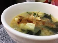 海帶豆腐味噌湯(洋蔥風味)