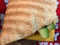 生酮版酪梨起司漢堡排帕尼尼三明治