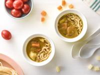 寶寶食譜/咖哩雞寶寶麵 搭配小番茄