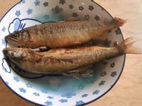 。香煎香魚。