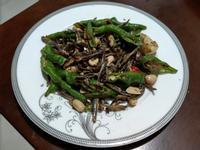 綠辣椒炒小魚干