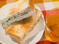 起司鮪魚熱烤三明治