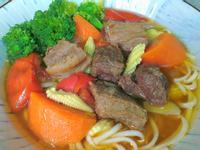 鳳梨啤酒蔬菜牛肉麵