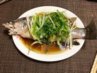 清蒸金目鱸魚